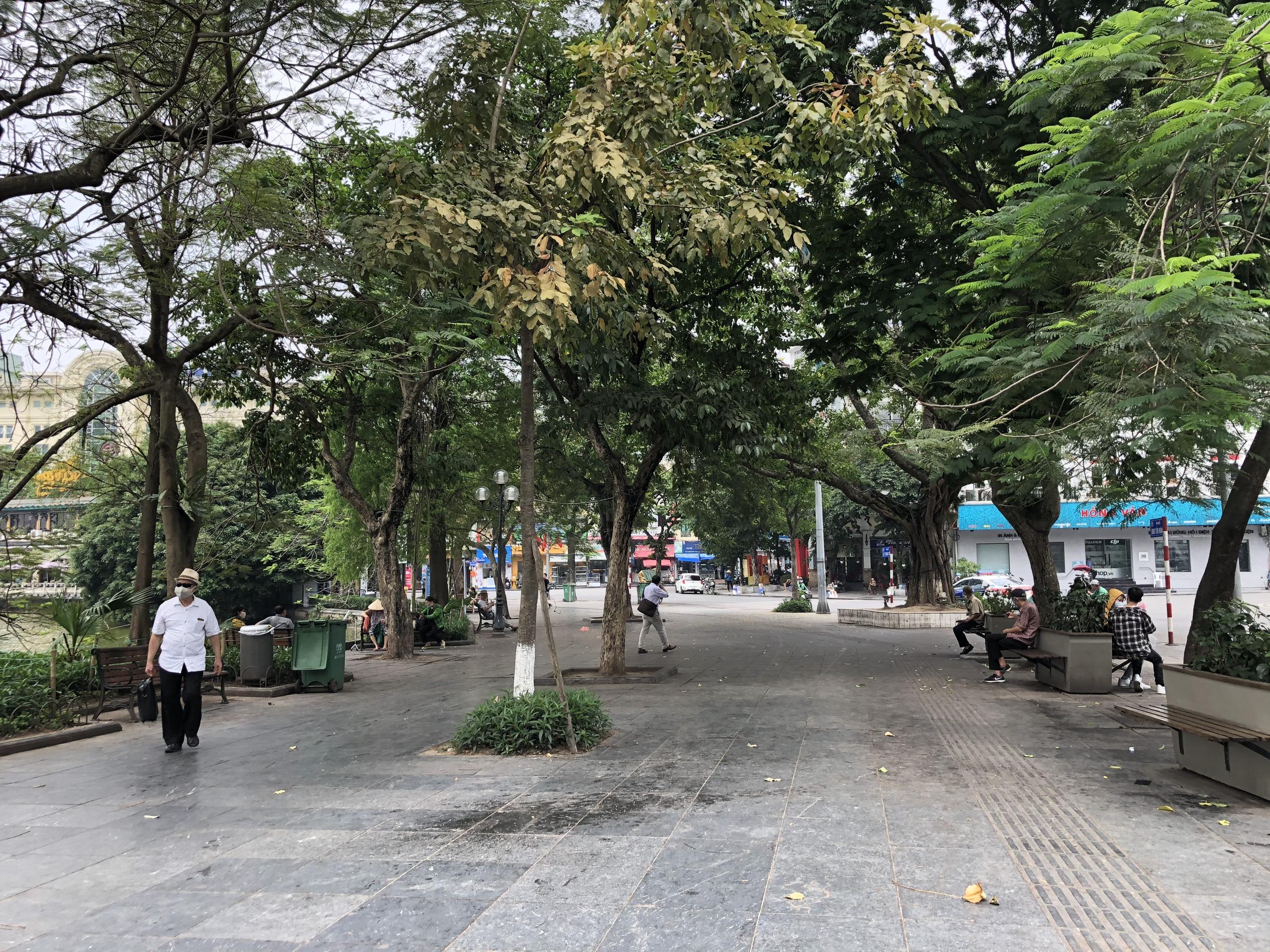 Mở cửa trở lại, một số điểm tham quan tại Hà Nội vẫn vắng khách du lịch - Ảnh 11.