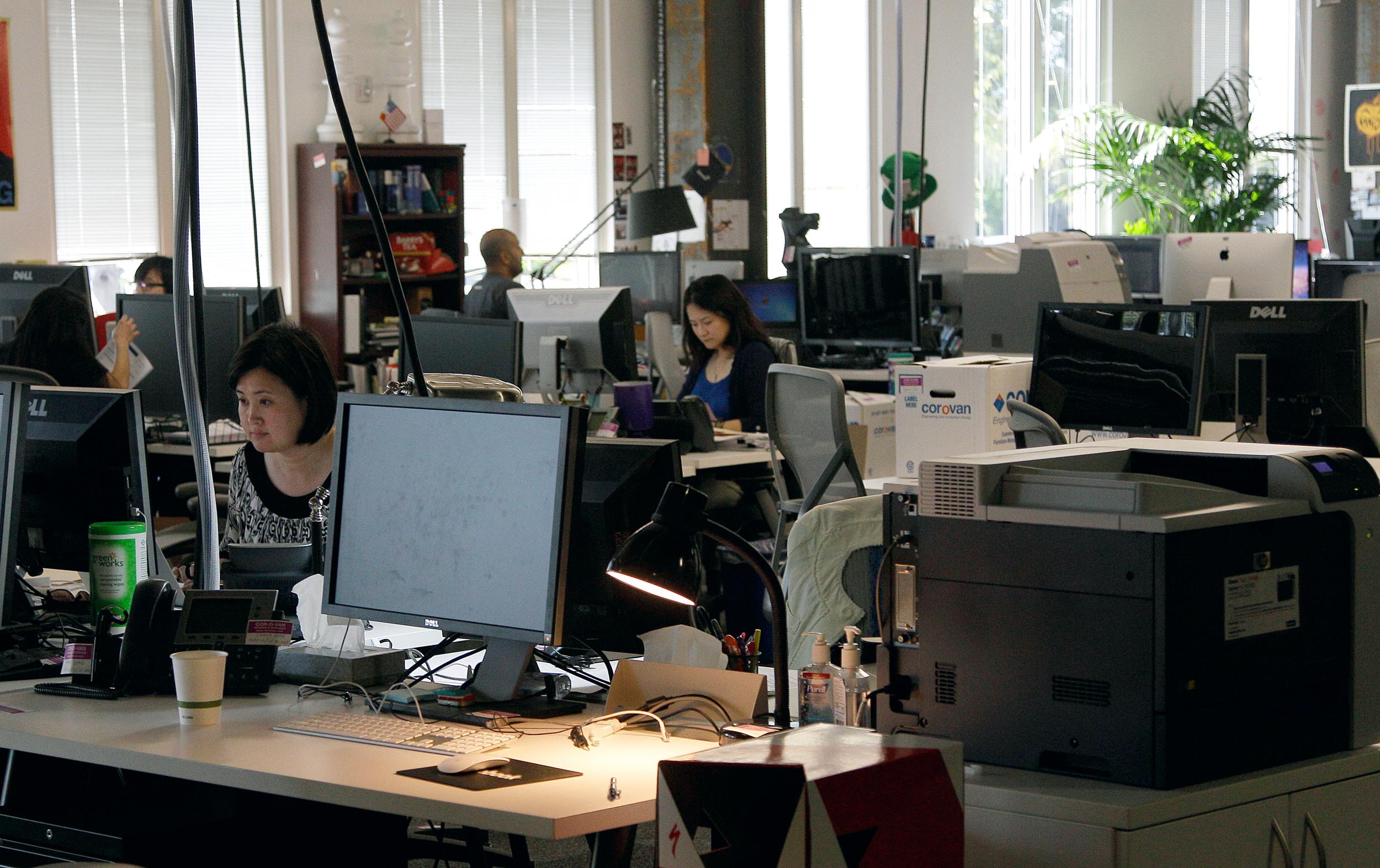 Tỉ lệ thất nghiệp Mỹ gia tăng khiến nỗi lo visa đè nặng người lao động châu Á trong các công ty công nghệ - Ảnh 7.