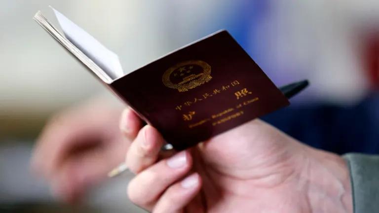Tỉ lệ thất nghiệp Mỹ gia tăng khiến nỗi lo visa đè nặng người lao động châu Á trong các công ty công nghệ - Ảnh 2.