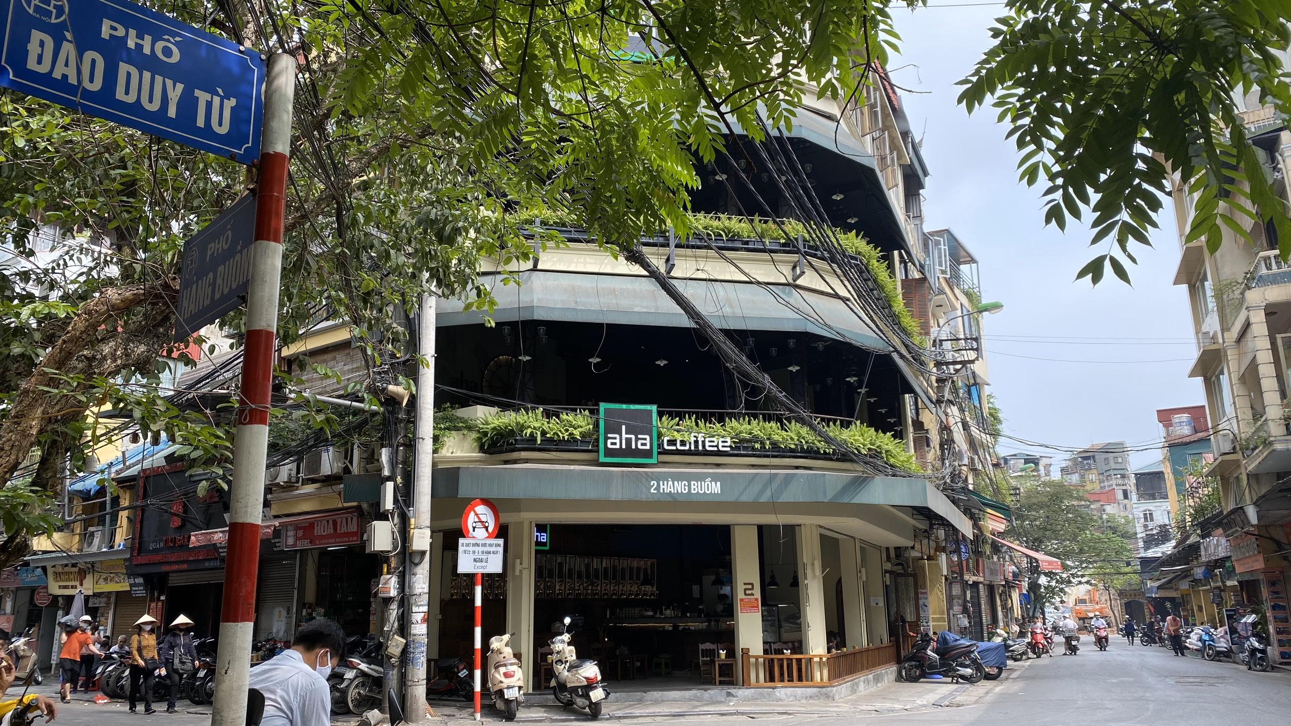 Ngày đầu hè, người dân tranh thủ ghé các tiệm kem nức tiếng của Hà Nội để tránh nóng, hạ nhiệt - Ảnh 10.