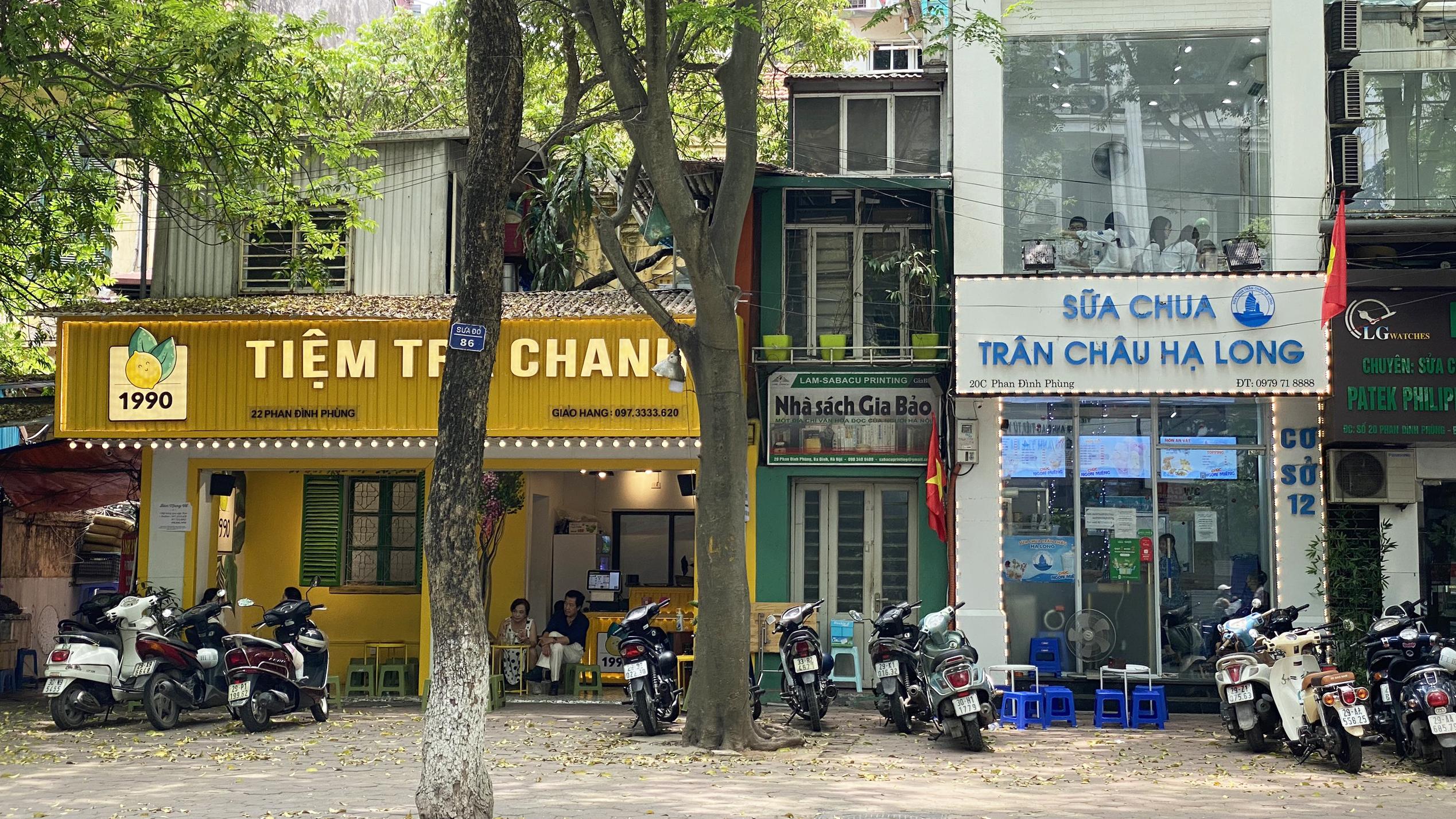 Những ngày đầu hè, người dân đã rủ nhau đến tiệm kem nức tiếng của Hà Nội để hạ nhiệt - Ảnh 7.