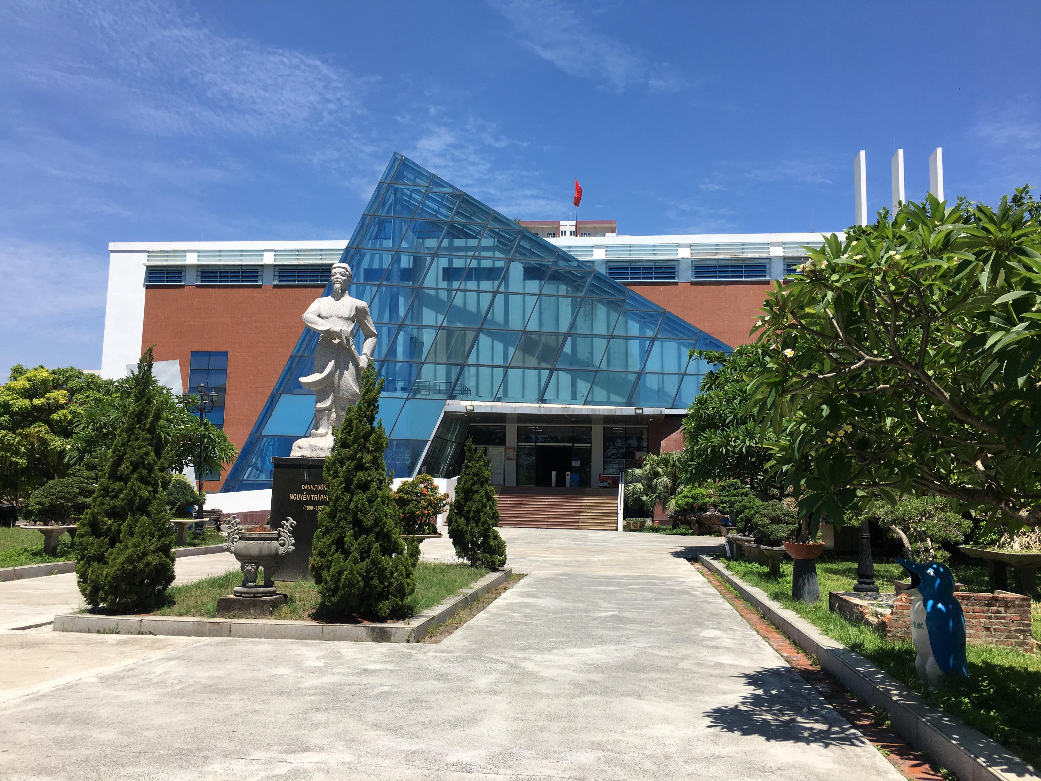 Các điểm du lịch trầm lắng trong ngày đầu Đà Nẵng miễn phí tham quan - Ảnh 3.