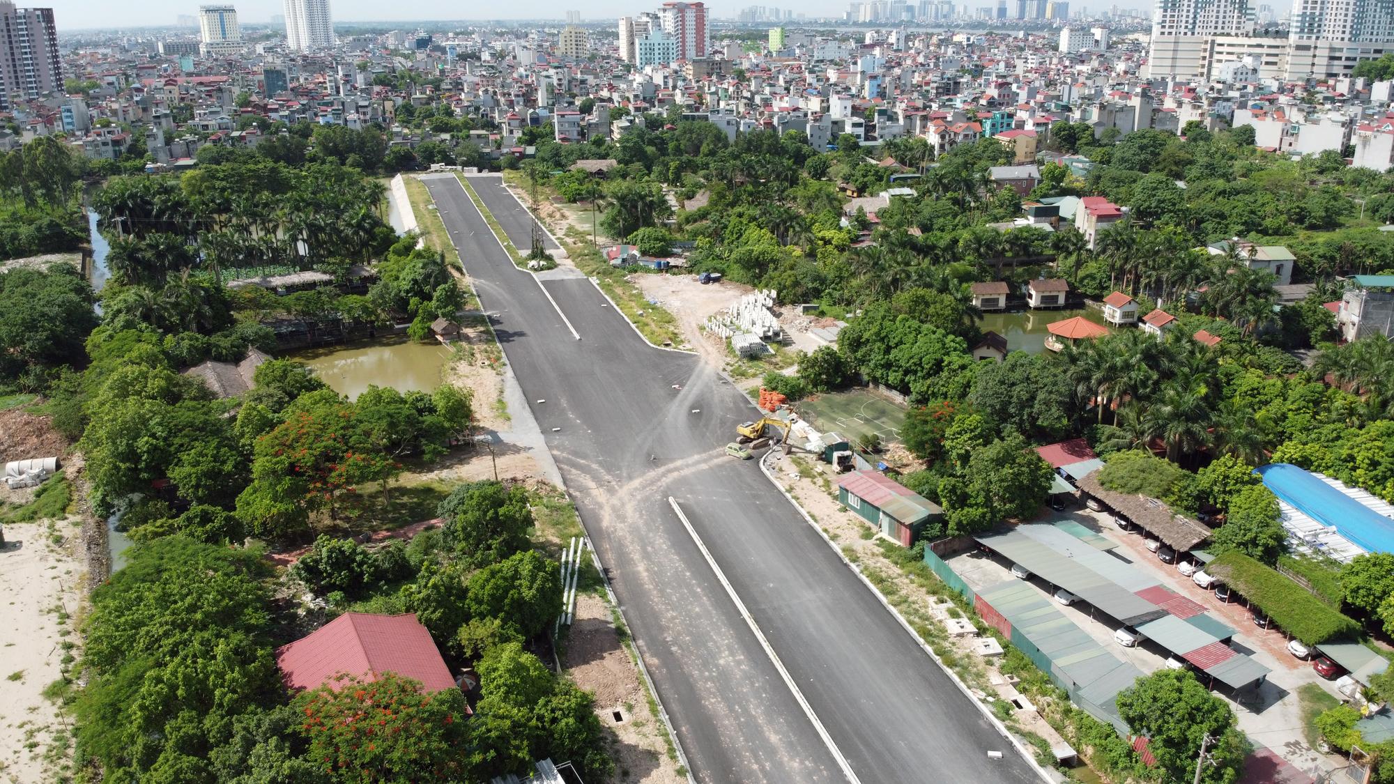 Đường ngàn tỉ nối Ngọc Thụy - Nguyễn Văn Cừ ở quận Long Biên mới làm được vài trăm mét - Ảnh 10.