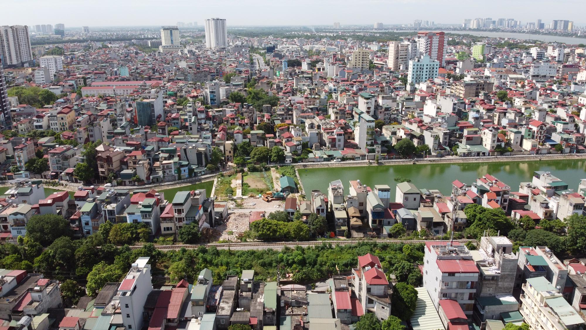Đường ngàn tỉ nối Ngọc Thụy - Nguyễn Văn Cừ ở quận Long Biên mới làm được vài trăm mét - Ảnh 11.