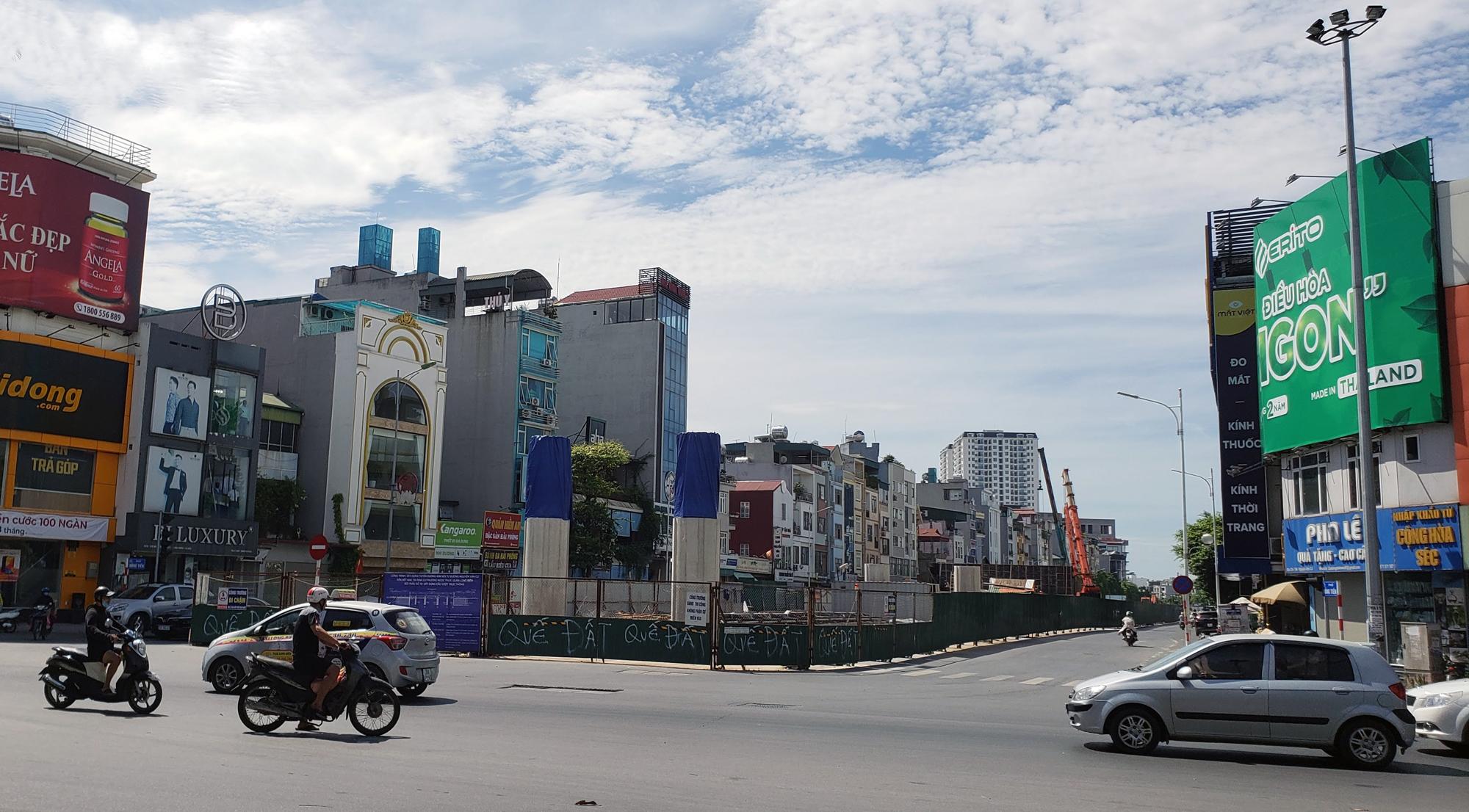 Đường ngàn tỉ nối Ngọc Thụy - Nguyễn Văn Cừ ở quận Long Biên mới làm được vài trăm mét - Ảnh 15.