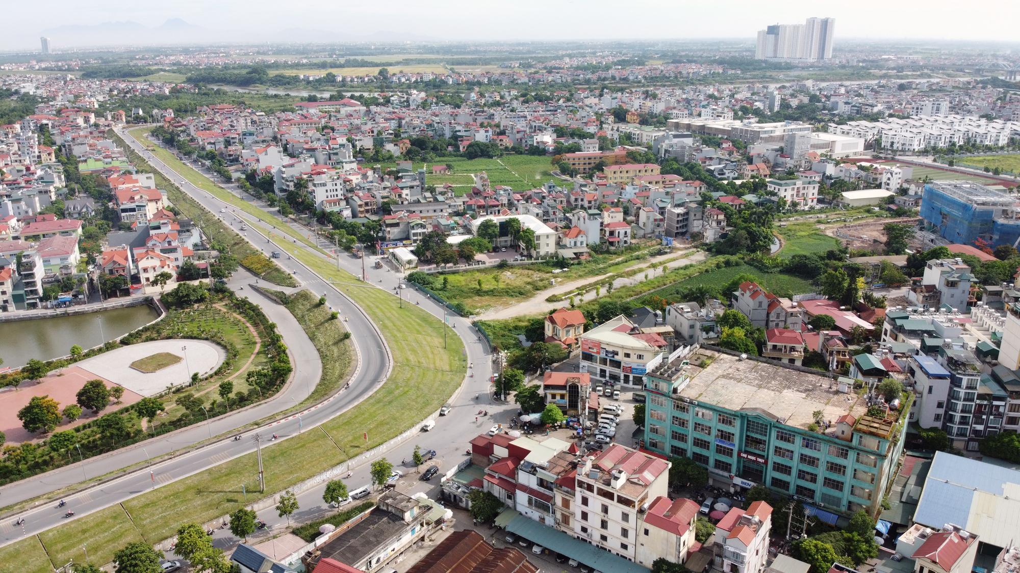Đường ngàn tỉ nối Ngọc Thụy - Nguyễn Văn Cừ ở quận Long Biên mới làm được vài trăm mét - Ảnh 4.