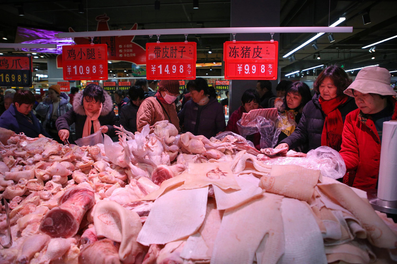 Chuyên gia nói: Xuất khẩu thịt heo sang Trung Quốc sẽ lãi đậm trong 1-2 năm tới - Ảnh 1.