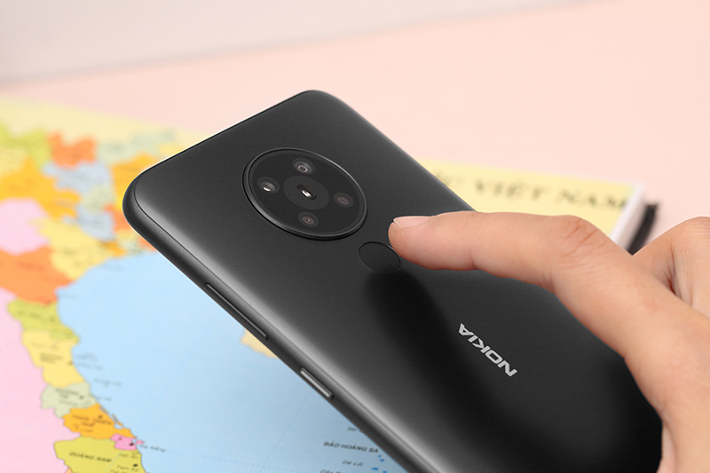 Điện thoại tầm trung dậy sóng khi nhiều hãng đẩy mạnh sản phẩm 'chất giá hời' - Ảnh 1.