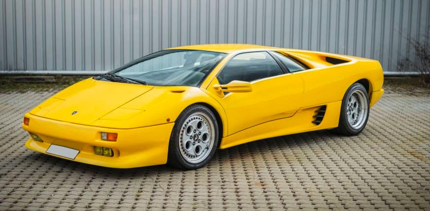 Chiêm ngưỡng 8 chiếc Lamborghini cực hiếm vừa được bán với giá 2 triệu USD - Ảnh 9.