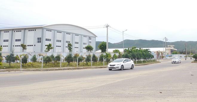 Bình Định thu hút 325 dự án đầu tư với tổng vốn 91.000 tỉ đồng - Ảnh 1.