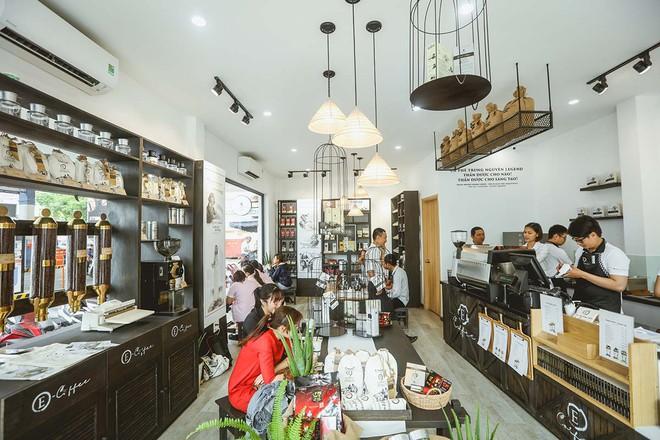Tham vọng 3.000 cửa hàng cà phê Trung Nguyên bình dân của ông Đặng Lê Nguyên Vũ giờ ra sao? - Ảnh 1.