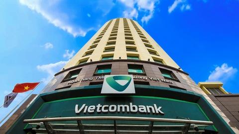 Vietcombank dự kiến chia cổ tức bằng cổ phiếu 18%, chào bán riêng lẻ 6,5% vốn - Ảnh 1.