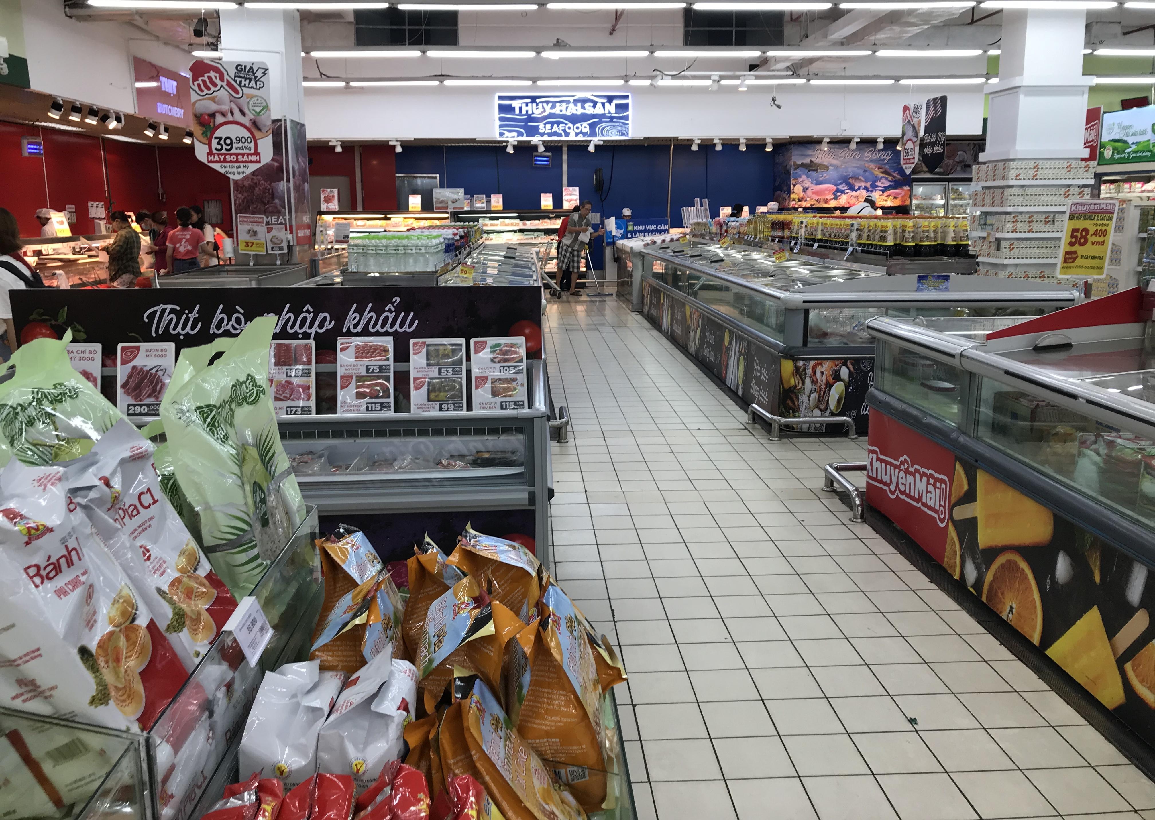Big C miền Đông bất ngờ thông báo đóng cửa, người tiêu dùng sững sờ, siêu thị vắng lặng chiều nay - Ảnh 11.