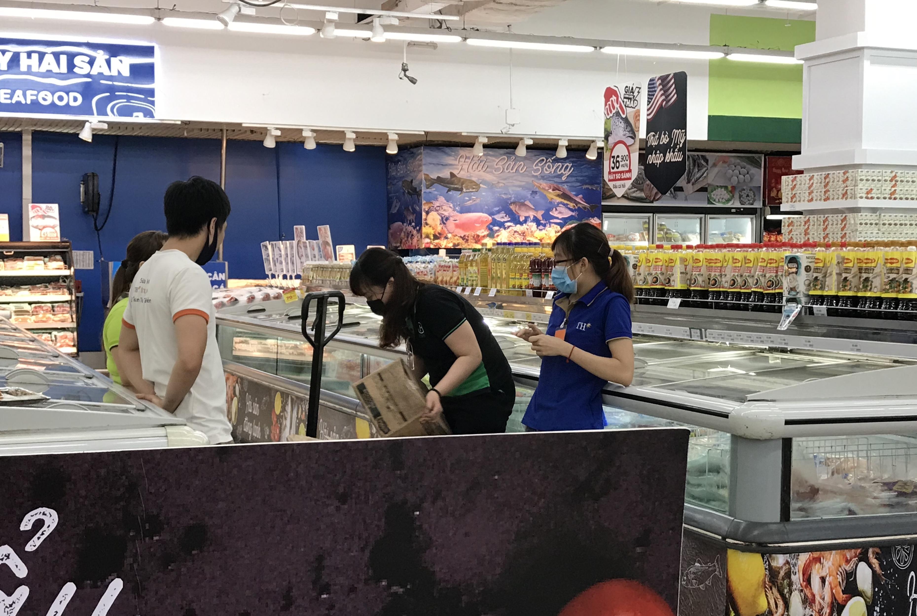Big C miền Đông bất ngờ thông báo đóng cửa, người tiêu dùng sững sờ, siêu thị vắng lặng chiều nay - Ảnh 9.