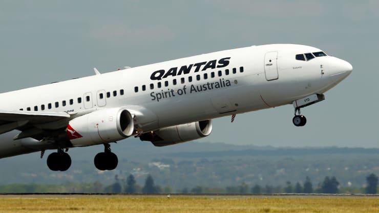 Hãng hàng không quốc gia Úc cắt giảm 6.000 việc làm, tăng vốn thêm 1,3 tỉ USD để chống chọi với COVID-19 - Ảnh 1.