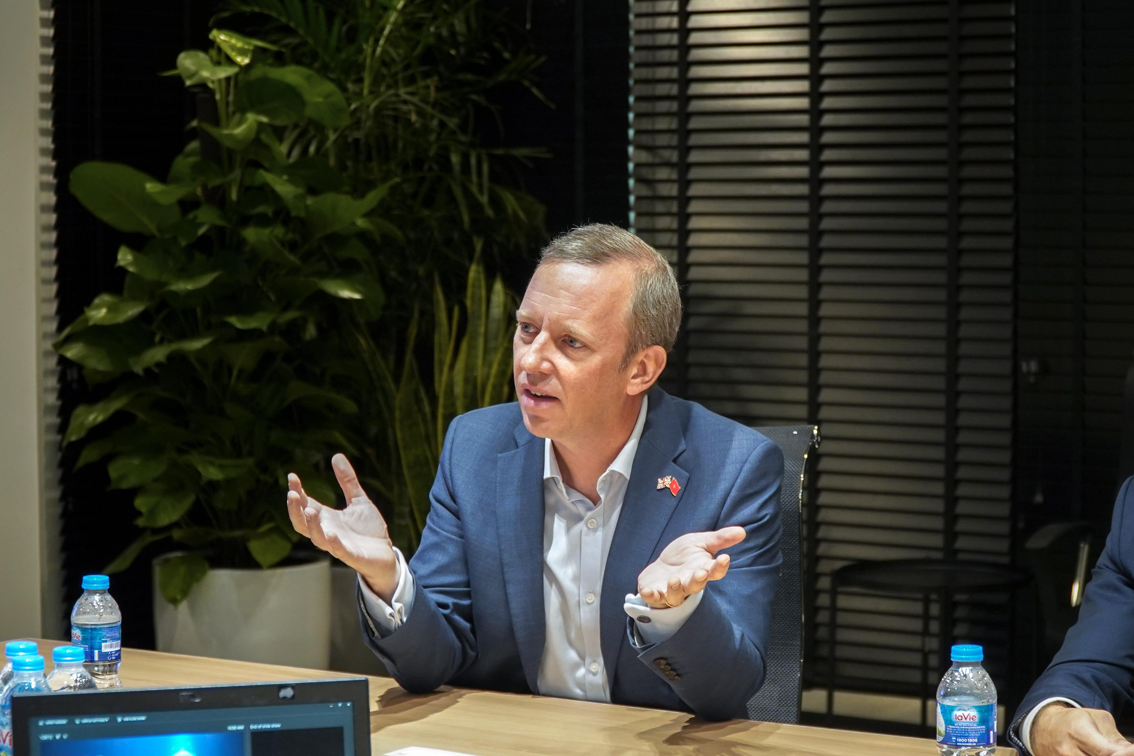 Đại sứ vương quốc Anh quan tâm đến kỳ lân công nghệ VNG, mong muốn đầu tư lâu dài - Ảnh 1.