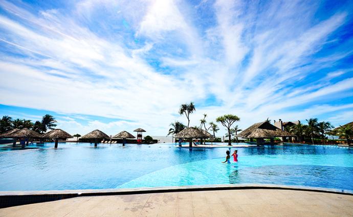 Sợ Vũng Tàu đông đúc, ghé ngay resort ở Hồ Tràm để hưởng thụ biển xanh - Ảnh 7.