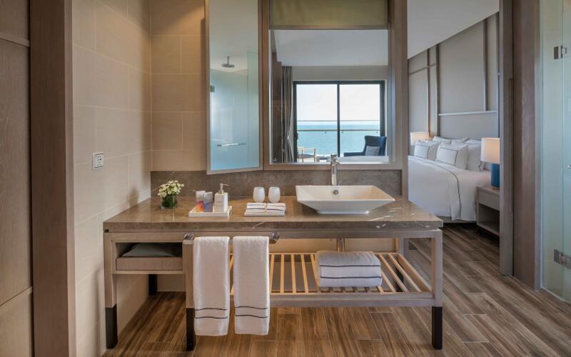 Sợ Vũng Tàu đông đúc, ghé ngay resort ở Hồ Tràm để hưởng thụ biển xanh - Ảnh 2.