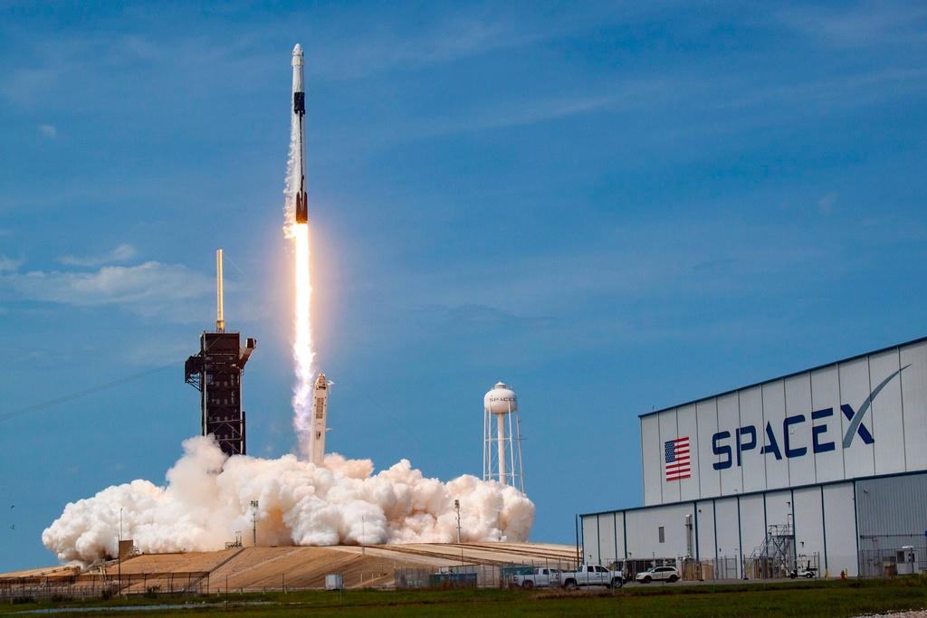 Giải mã SpaceX: Công ty của Musk lấy tiền ở đâu để thay đổi thế giới? - Ảnh 1.