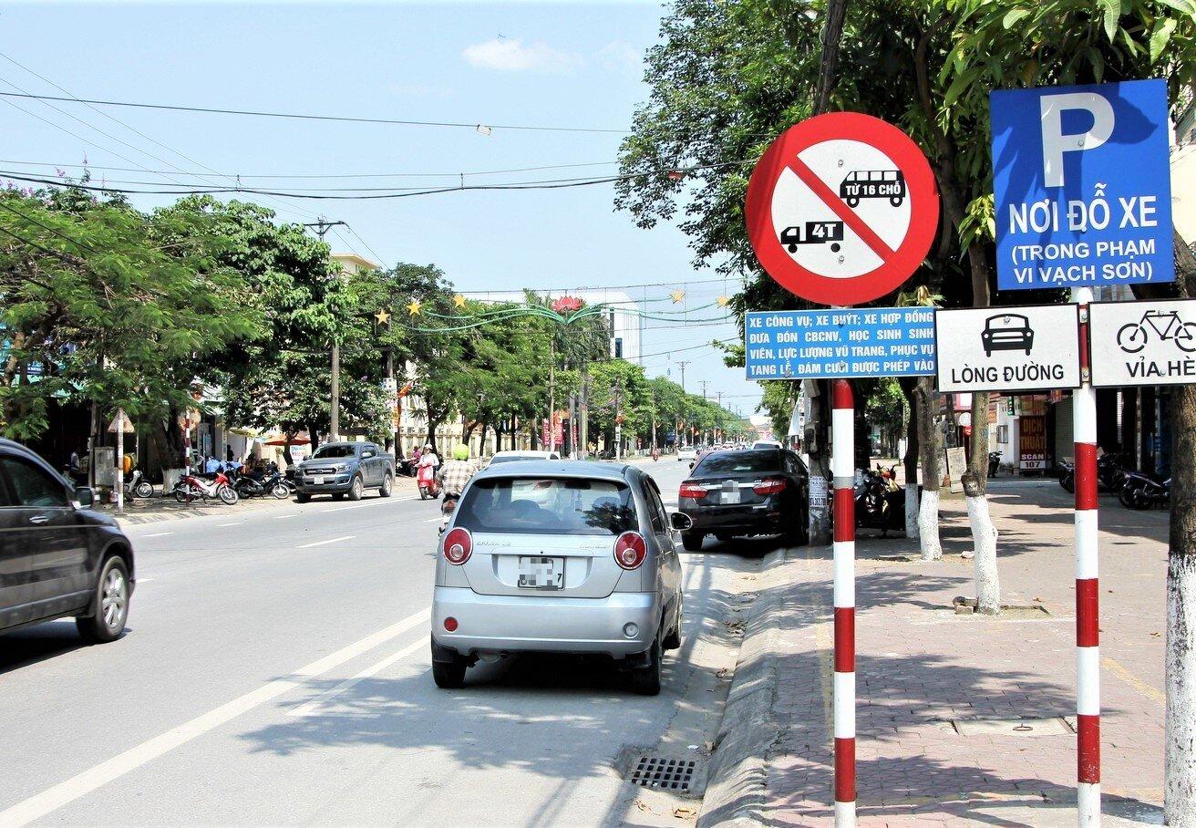 Từ 1/7, nhiều dòng xe ô tô sẽ bị giới hạn trên một số tuyến phố, cấm theo khung giờ theo qui chuẩn mới - Ảnh 1.