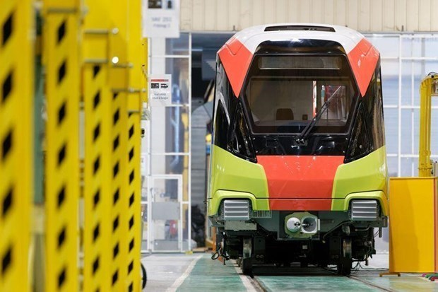 Đoàn tàu đường sắt đô thị Nhổn - ga Hà Nội chạy thử nghiệm ở Pháp, chưa thể chuyển về nước - Ảnh 1.