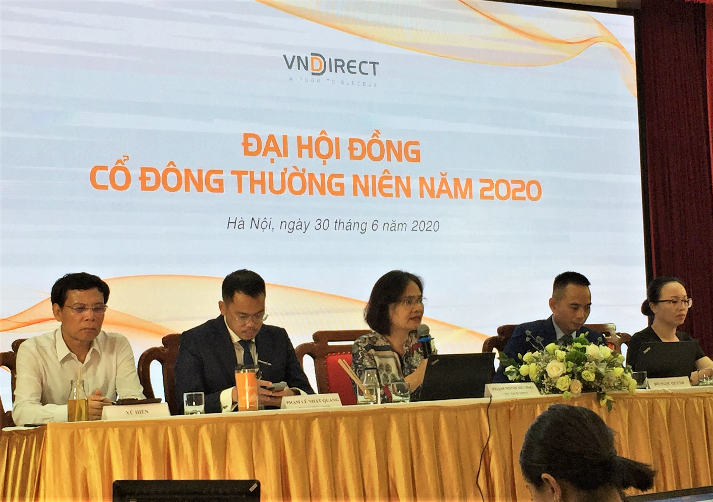 Đề cử quyền Tổng Giám đốc Đỗ Ngọc Quỳnh vào HĐQT VNDirect - Ảnh 1.