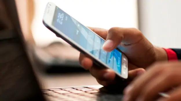 Đề xuất nạp thẻ điện thoại phải nhập kèm chứng minh thư nhân dân - Ảnh 1.