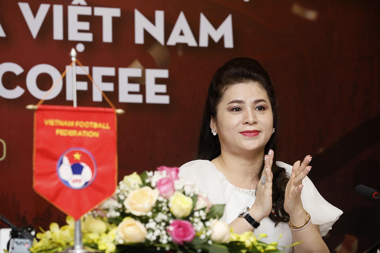 Bà Lê Hoàng Diệp Thảo: King Coffee và Trung Nguyên tôi luôn yêu như nhau, bởi cả hai đều là con của mình - Ảnh 1.