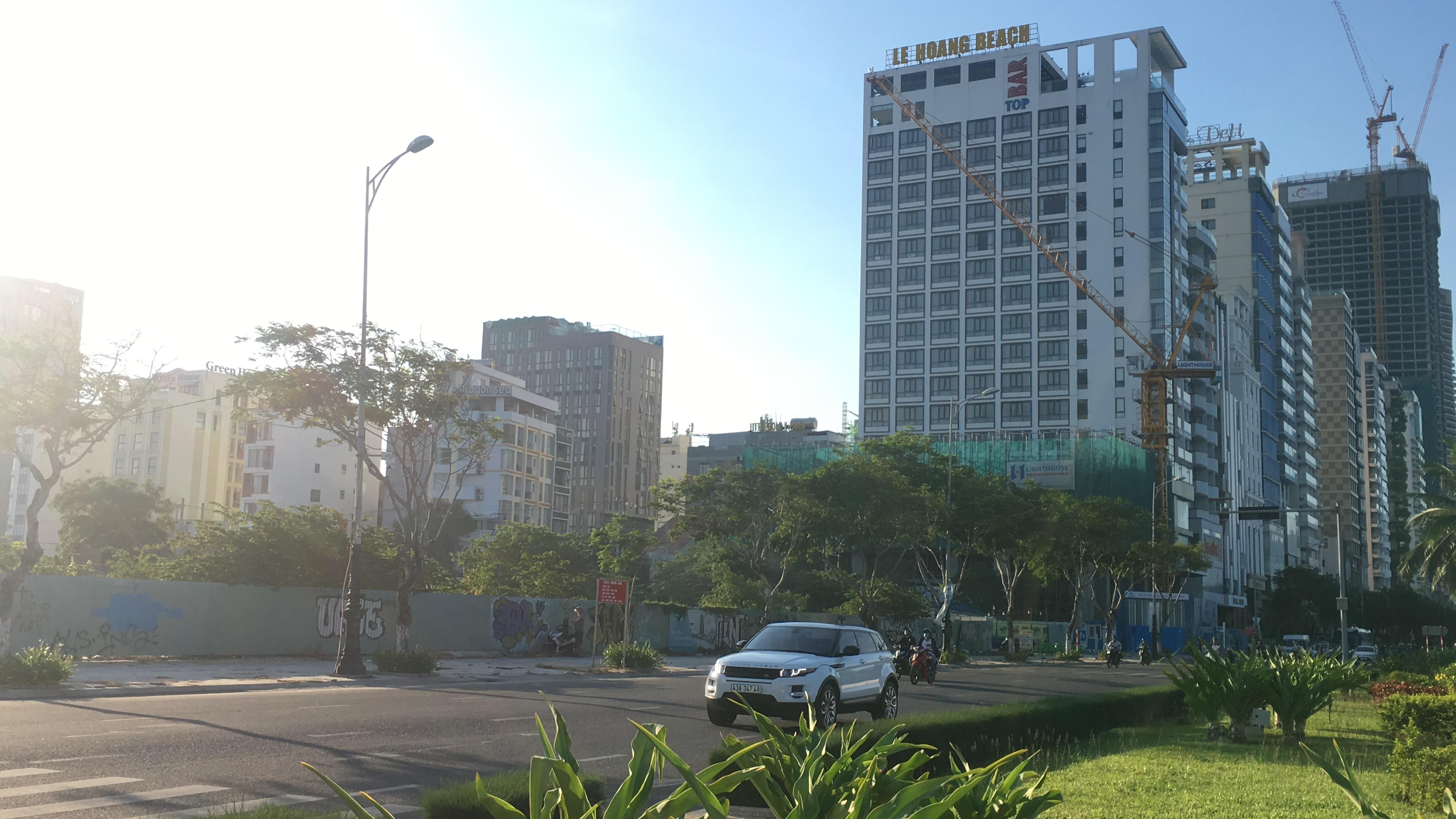 Cận cảnh khu đất ven biển Đà Nẵng sẽ đấu giá làm dự án Trung tâm tài chính, thương mại, casino 2 tỉ USD - Ảnh 2.