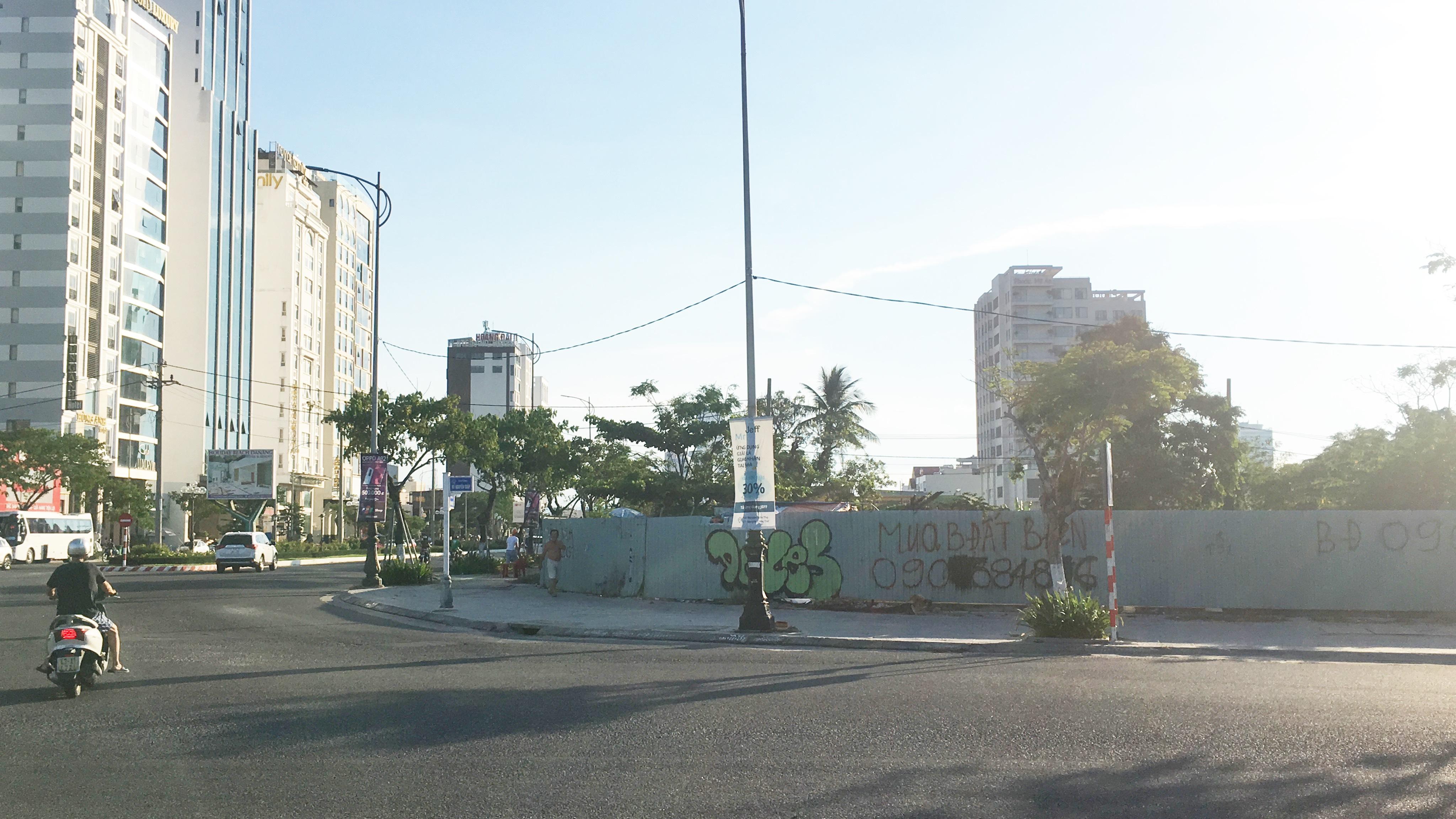 Cận cảnh khu đất ven biển Đà Nẵng sẽ đấu giá làm dự án Trung tâm tài chính, thương mại, casino 2 tỉ USD - Ảnh 1.