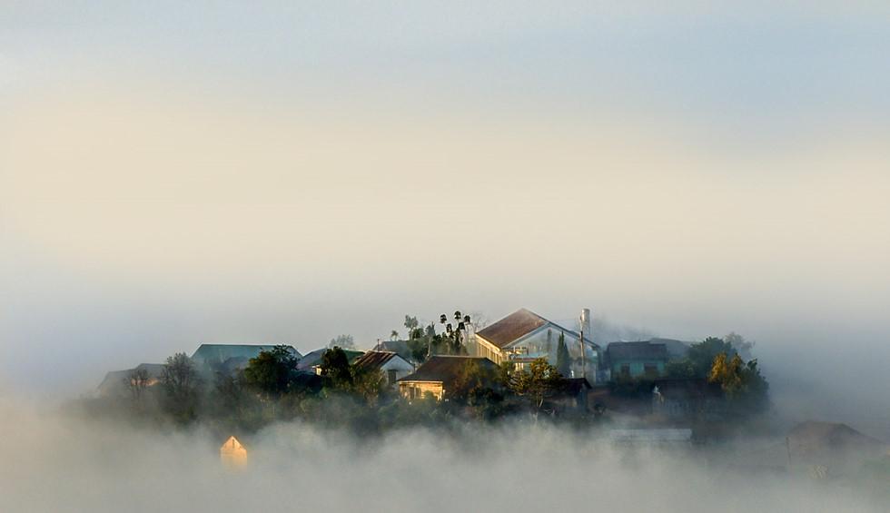 Đà Lạt, lạc giữa bềnh bồng trời mây trong mùa 'săn' đẹp nhất - Ảnh 4.