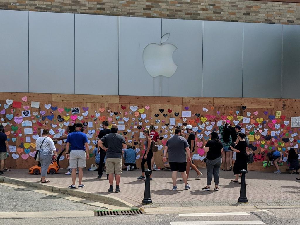 Tỉ phú công nghệ vất vả trong làn sóng biểu tình Mỹ - Ảnh 5.