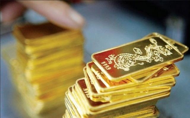 Theo đà tăng giá vàng thế giới, giá vàng trong nước vượt 49,5 triệu đồng/lượng - Ảnh 1.