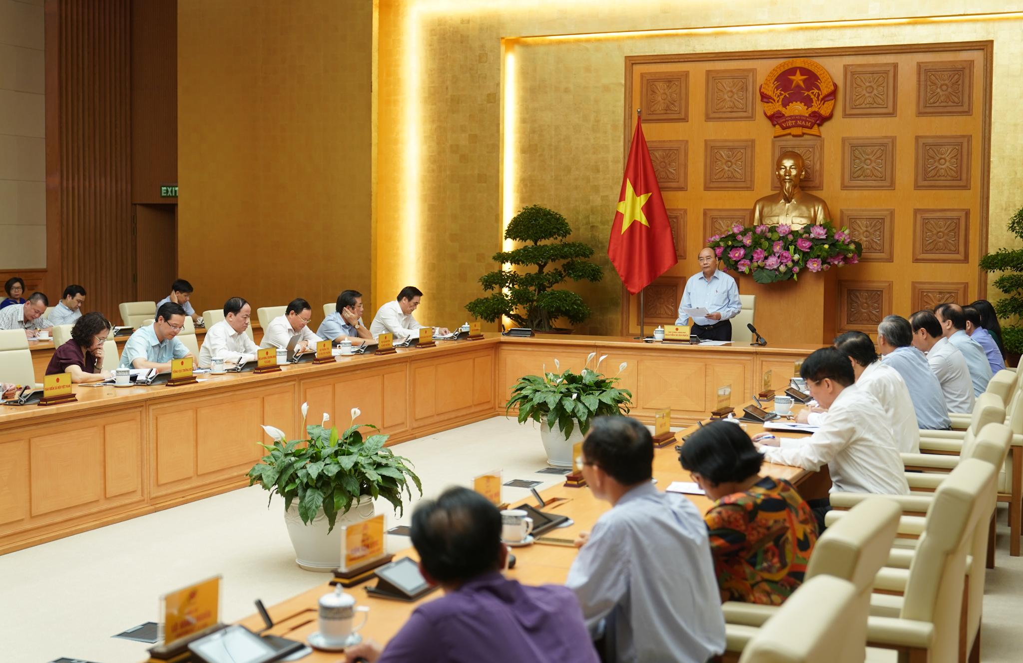 Thủ tướng Nguyễn Xuân Phúc: 'Tăng trưởng mà để lạm phát cao là thất bại' - Ảnh 1.