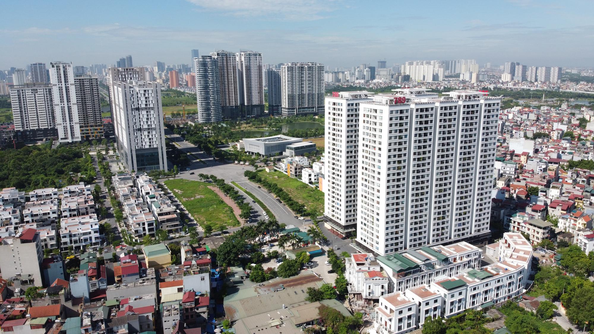 Cầu vượt nút giao Hoàng Quốc Việt - Nguyễn Văn Huyên sắp thông xe, ba khu đô thị lớn hưởng lợi - Ảnh 11.