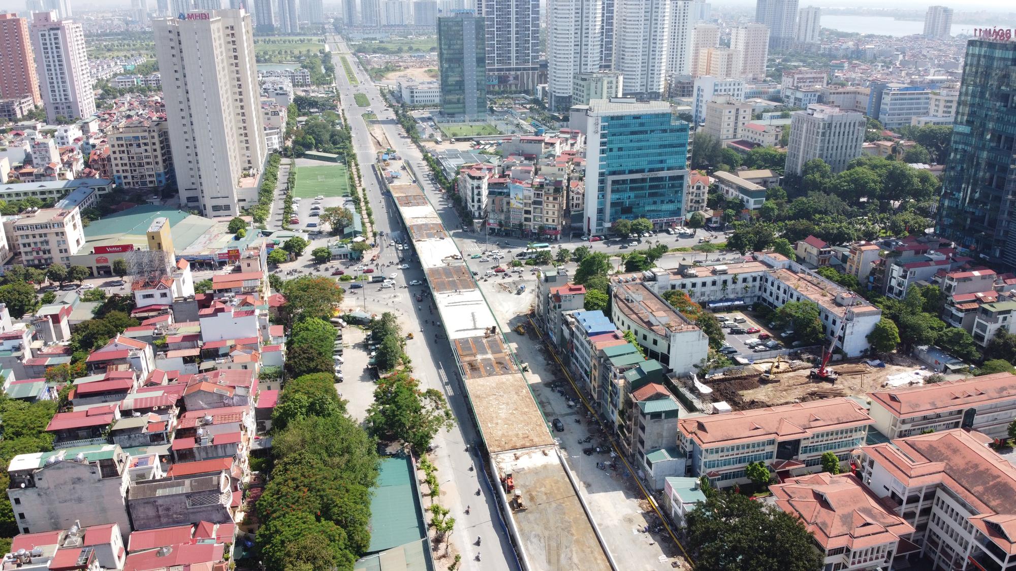Cầu vượt nút giao Hoàng Quốc Việt - Nguyễn Văn Huyên sắp thông xe, ba quận hưởng lợi - Ảnh 5.