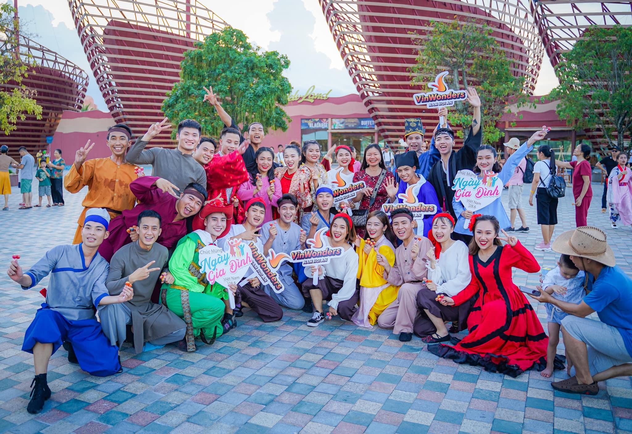 Cập nhật giá vé vào cổng Vinpearl Land Nha Trang: Khuyến mại cực đã trong dịp hè này  - Ảnh 9.
