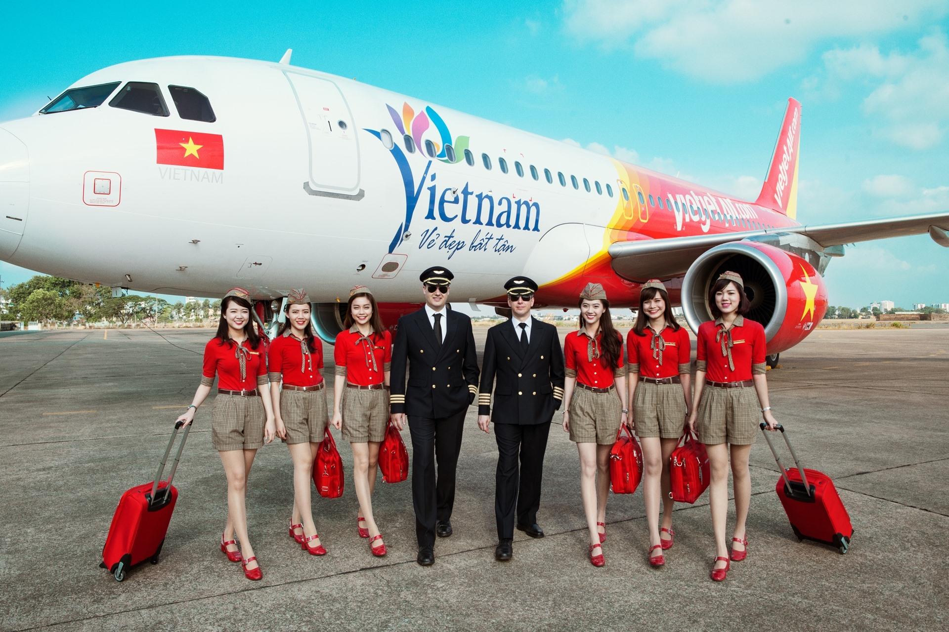 Bao la Việt Nam, bay xanh cùng Vietjet với mã giảm ngay 50% giá vé - Ảnh 1.