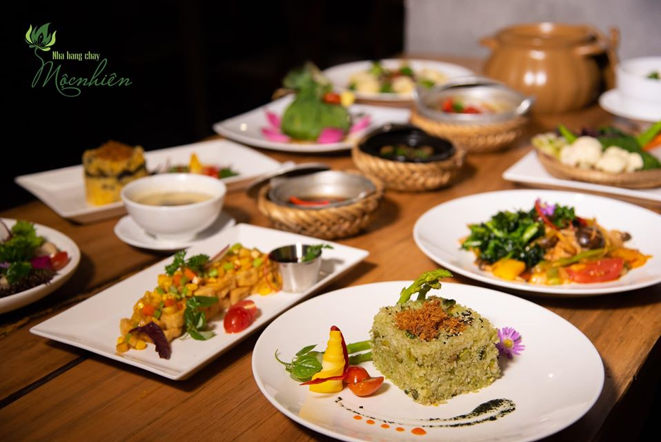 Top 5 nhà hàng chay Đà Nẵng từ sang chảnh đến bình dân hút hồn du khách - Ảnh 17.