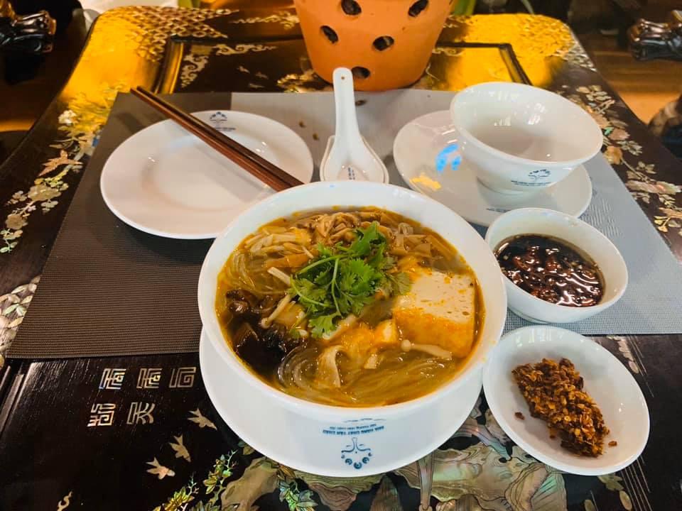 Top 5 nhà hàng chay Đà Nẵng từ sang chảnh đến bình dân hút hồn du khách - Ảnh 8.