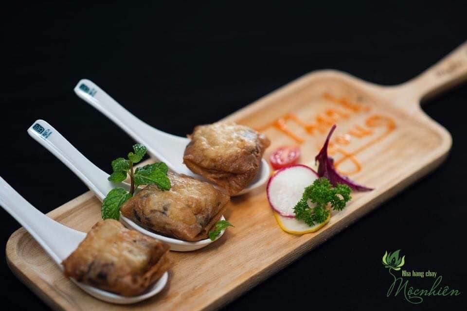 Top 5 nhà hàng chay Đà Nẵng từ sang chảnh đến bình dân hút hồn du khách - Ảnh 15.