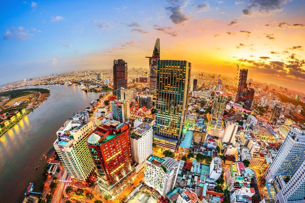 Vì sao Việt Nam hấp dẫn với các nhà đầu tư nước ngoài? - Ảnh 1.