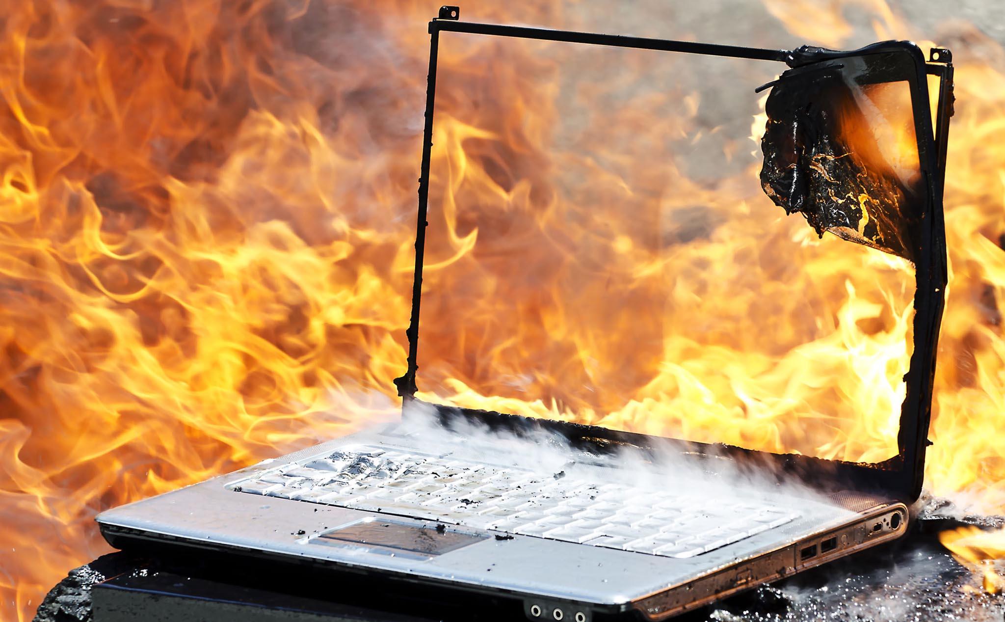 Những lỗi màn hình laptop thường gặp và cách khắc phục - Ảnh 2.