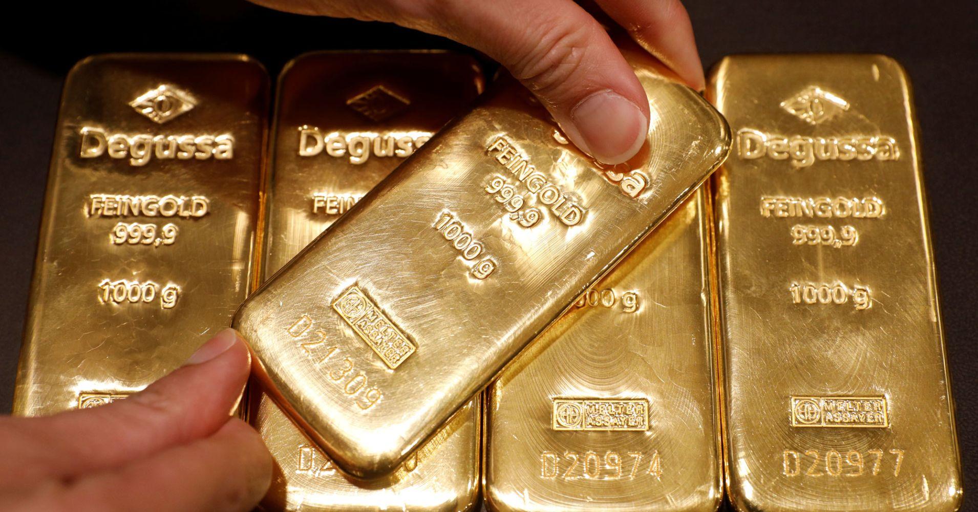 Giá vàng thế giới nhảy vọt lên 2.000 USD, giá bạc cũng tăng mạnh theo - Ảnh 1.