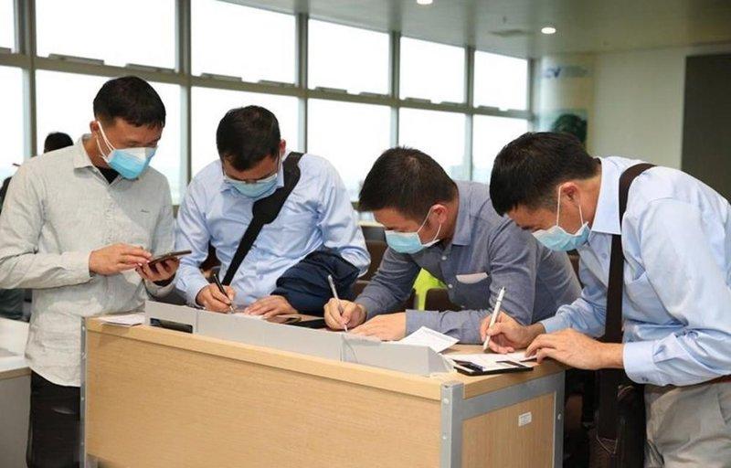 Hướng dẫn khai báo y tế và cách li đối với những người trở về từ Đà Nẵng - Ảnh 1.