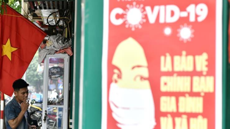 CNBC: Việt Nam không nao núng khi đại dịch COVID-19 tái bùng phát - Ảnh 1.