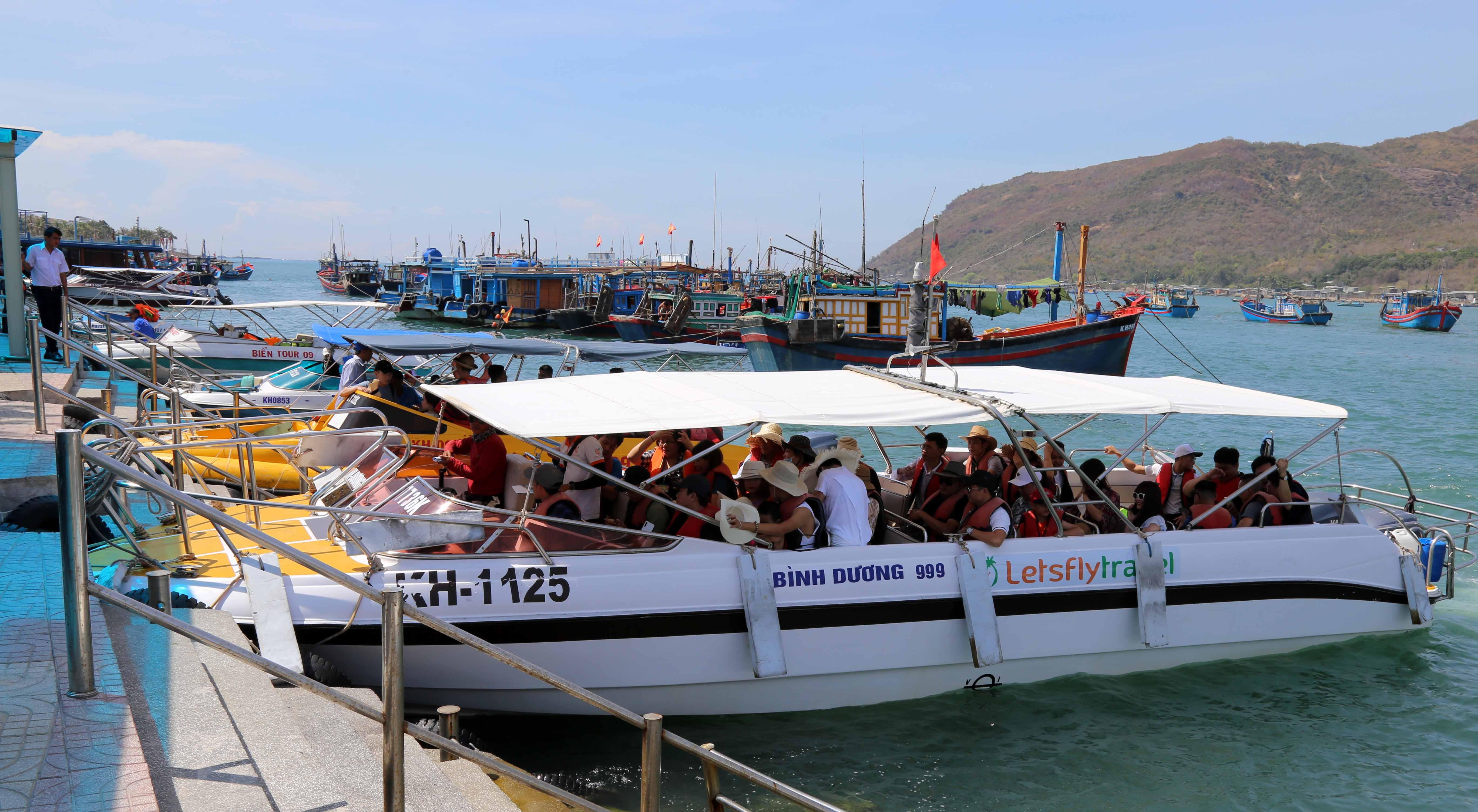 Du lịch Khánh Hòa: Doanh nghiệp 'nghẹt thở' vì dịch COVID-19 trở lại - Ảnh 2.
