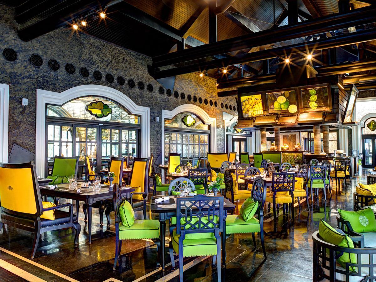 Top những resort Đà Nẵng ở gần biển 'hút' khách nhất - Ảnh 10.