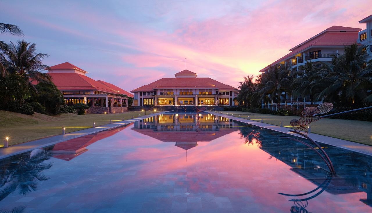 Top những resort Đà Nẵng ở gần biển 'hút' khách nhất - Ảnh 1.