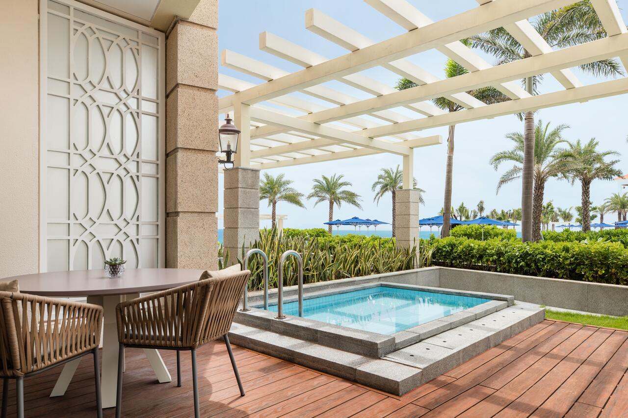 Top những resort Đà Nẵng ở gần biển 'hút' khách nhất - Ảnh 13.